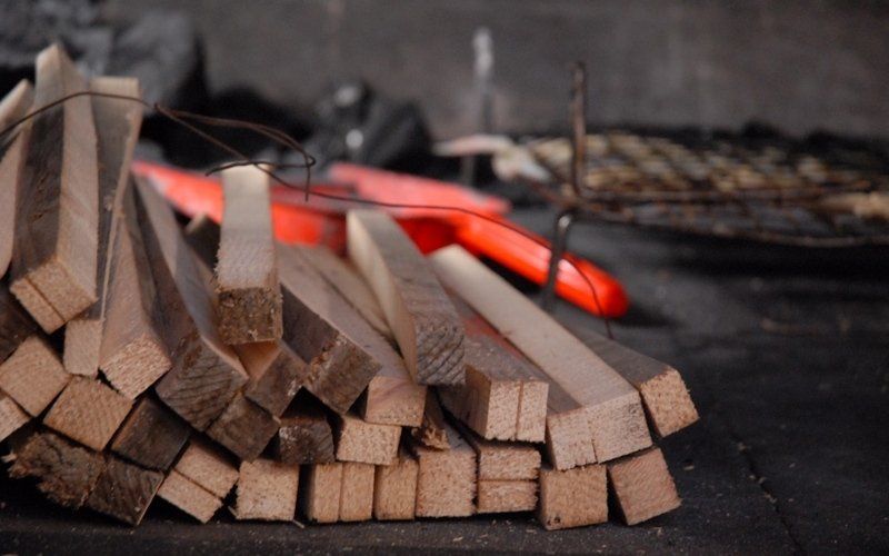 Brace di legna