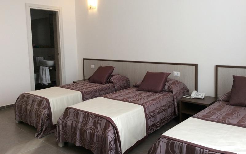 Camera doppia più letto hotel Eubea