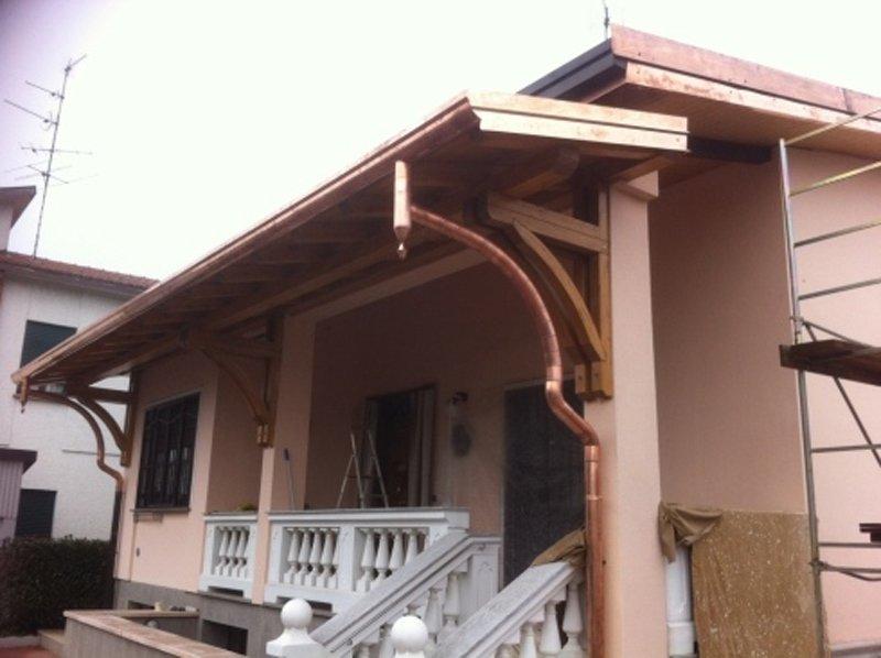 casa con tettoia