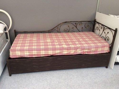 bande del letto in ferro lavorato