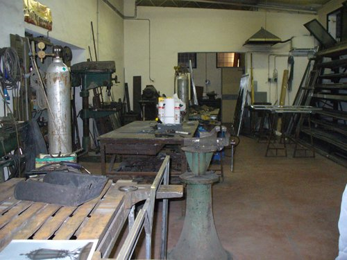 laboratorio per lavorazione ferro battuto