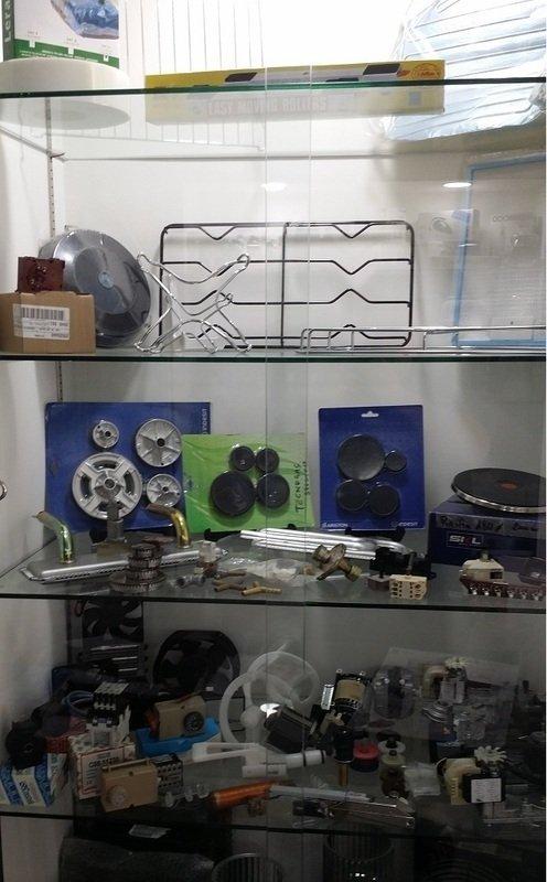 vetrina con ricambi per elettrodomestici