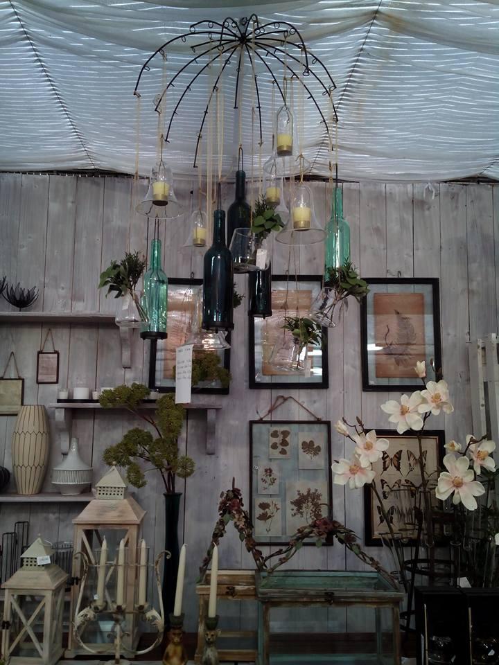 campanellini colorati e oggettistica per arredare una casa