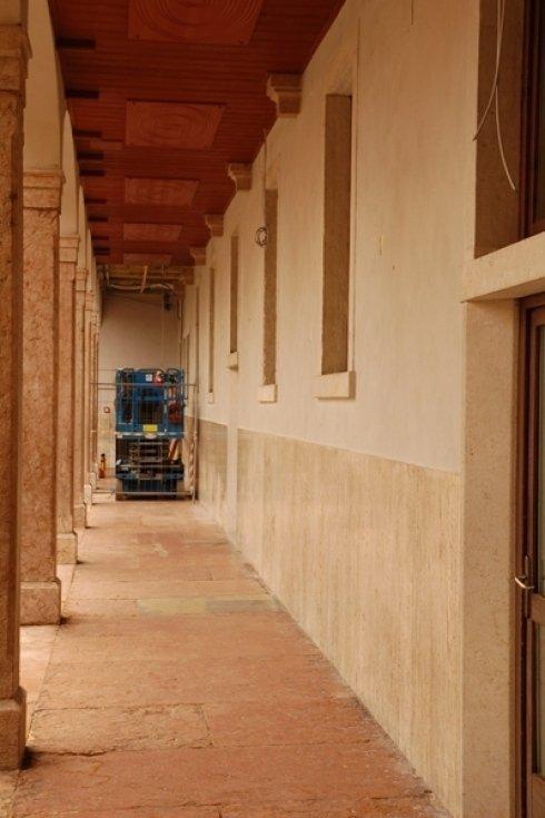 portici con colonne