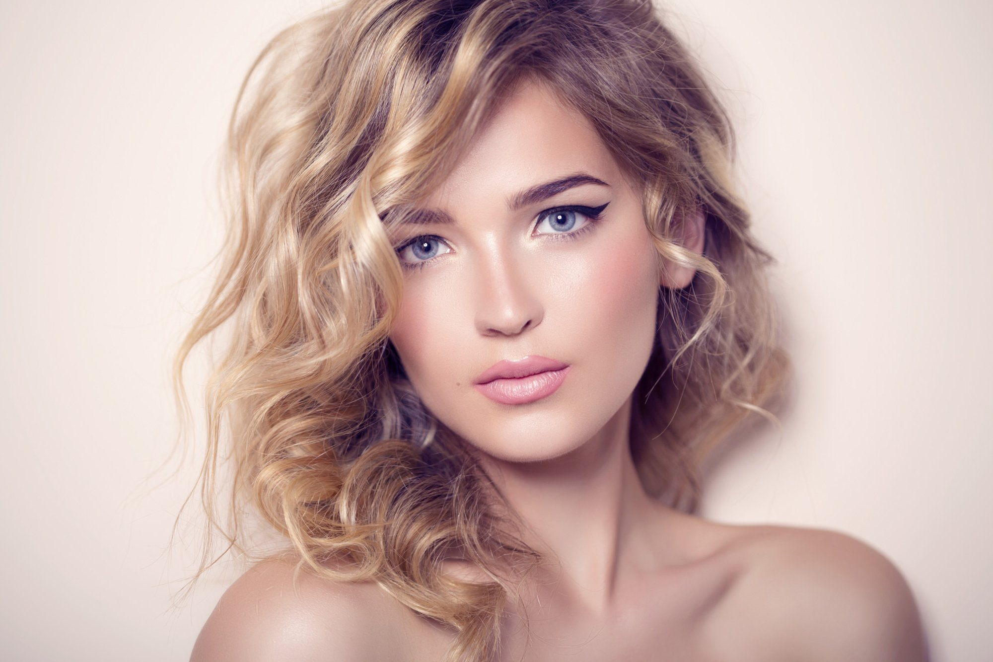 Superb hair styling for women