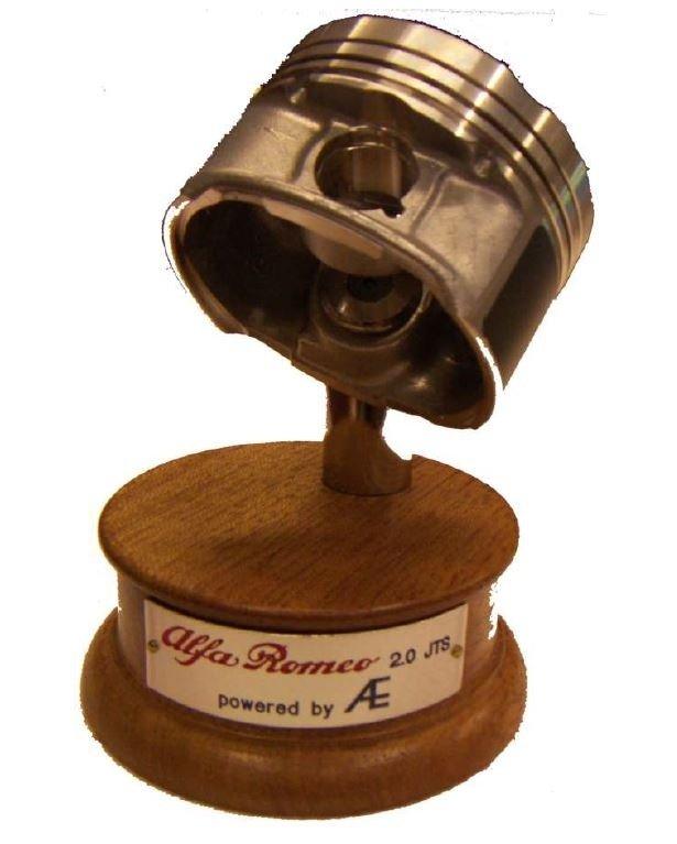 Trofeo realizzato con pistone