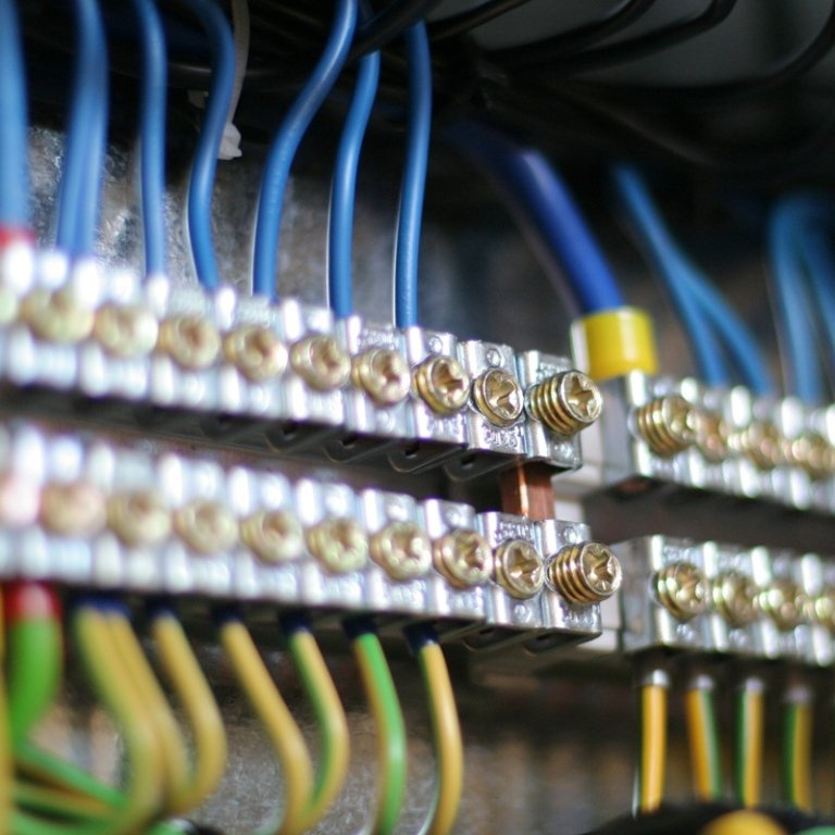 fili e morsetti per impianti elettrici
