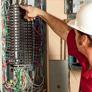 Cablaggi e collaudi quadri elettrici