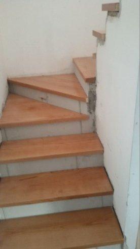 scale in legno a giorno