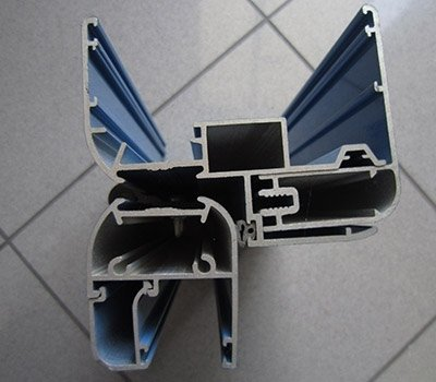 Sezione porta alluminio telaio