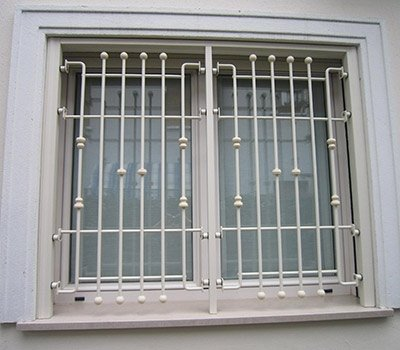 Grata sicurezza finestra due ante