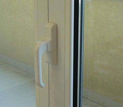 Maniglia porta finestra