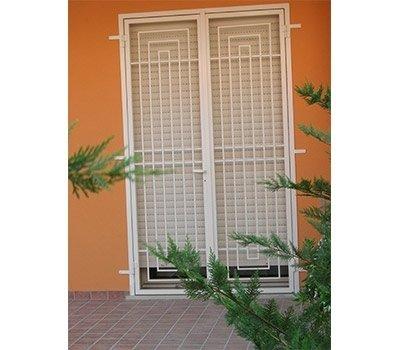 Grata porta finestra