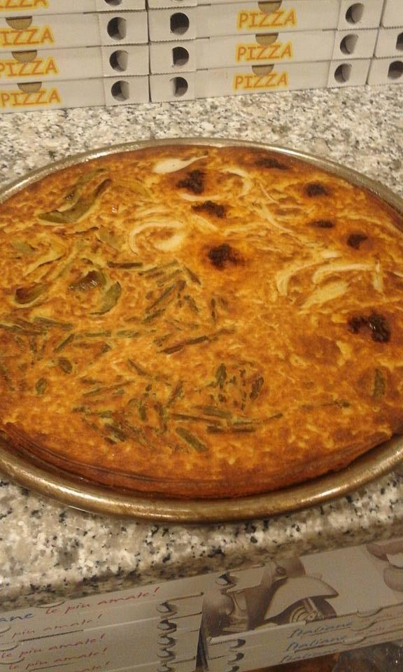 fainè: una farinata preparata con farina di ceci e acqua che viene lasciata riposare per alcune ore e poi cotta al forno