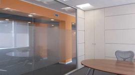 scrivanie, poltrone da ufficio, pareti divisorie per ufficio