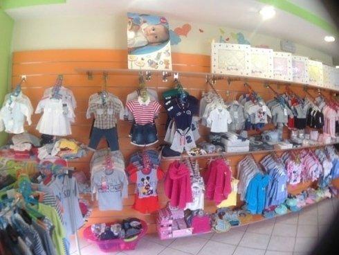 Completini e vestitini per neonati e bambini