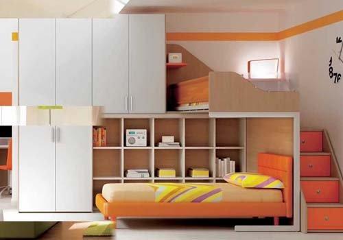 un armadio e un letto a castello di color arancione