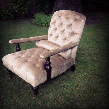 A relaxing armchair with velvet upholstery