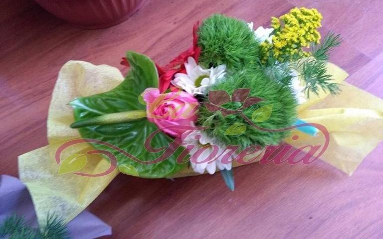 Composizioni floreali a caramella