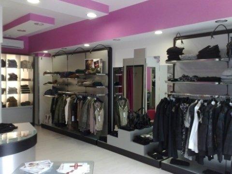 Arredamento negozi avellino fan est