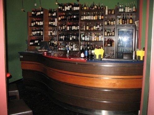 Arredamento winebar