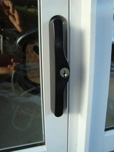 Albany sliding door lock