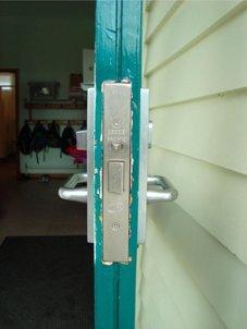 Commercial mortice lock, wood or aluminium fit