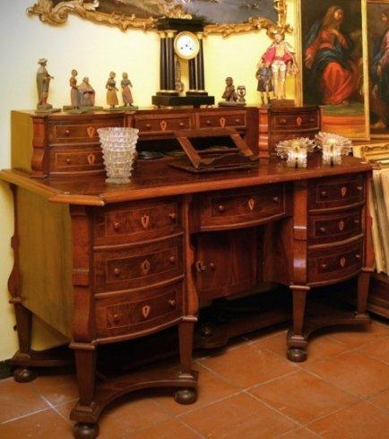 Compravendita mobili antichi genova for Stili mobili antichi