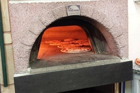 Forno della pizzeria.