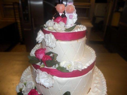 _Torta matrimoniale color Bianco e Rosso
