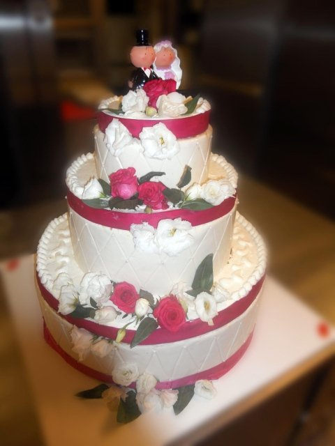 Torta matrimoniale color Bianco e Rosso