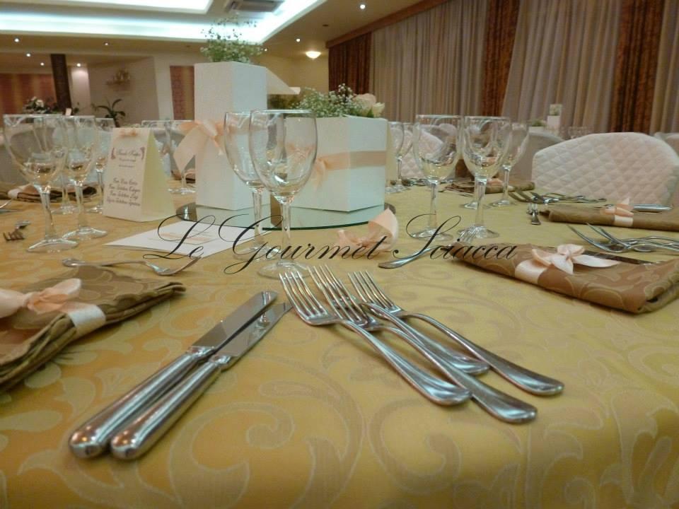 dettaglio di tavolo per matrimonio