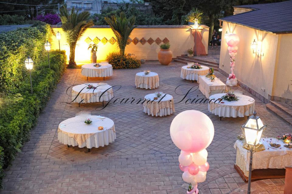 giardino di ristorante adibito a tema