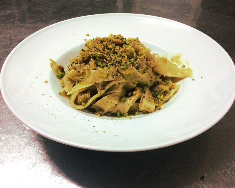 linguine al pistacchio e frutti di mare