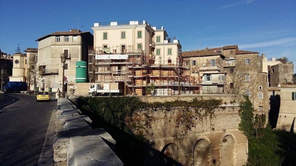 Tinteggiatura di pregio facciata esterna palazzia centro storico Tivoli (RM) (2).jpeg