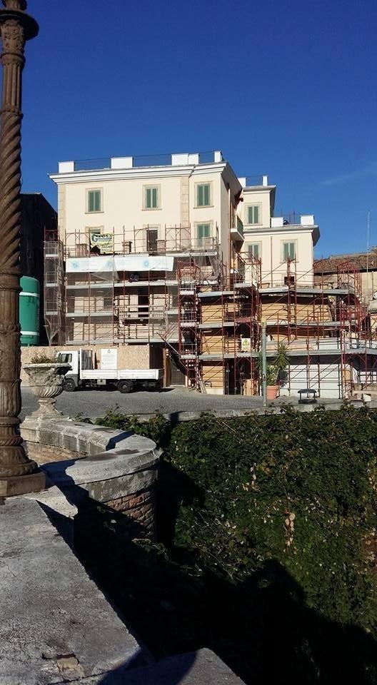 Tinteggiatura di pregio facciata esterna palazzia centro storico Tivoli (RM).jpeg