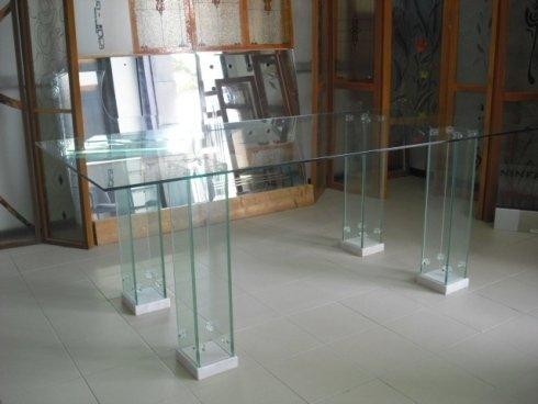 tavolo tutto in vetro