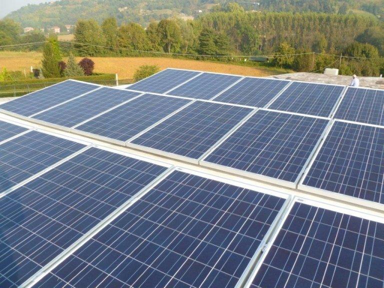 impianto industriale fotovoltaico