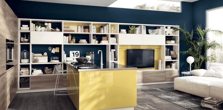cucina open space con penisola colore giallo