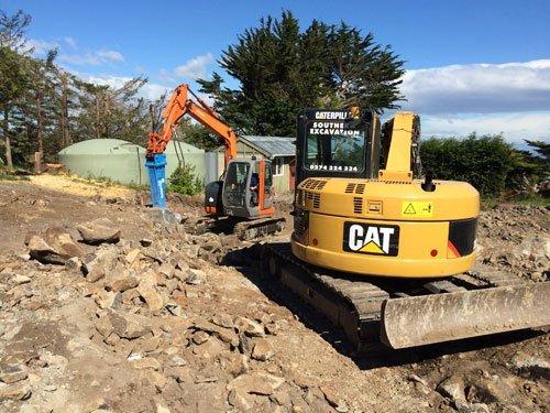 Excavating machine