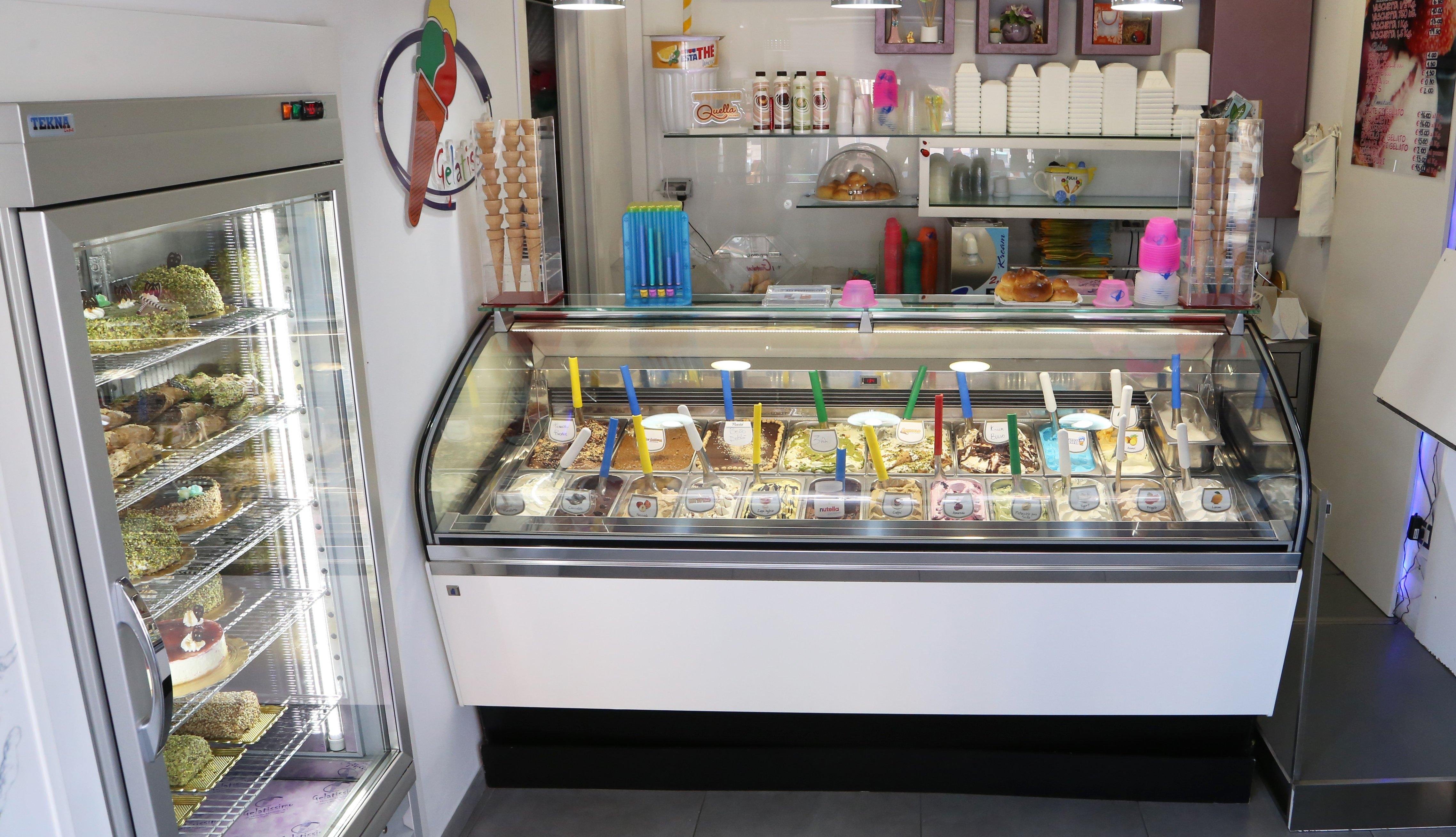 Bancone della gelateria