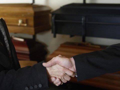 primo contatto agenzia funebre