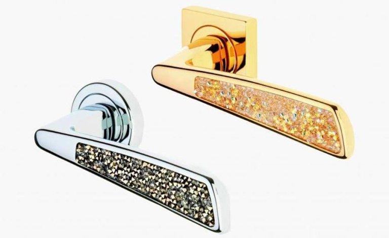 maniglie dorate e argentate con brillanti