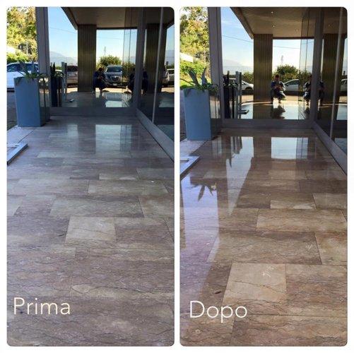 prima e dopo di un pavimento lucidato
