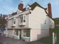 Grade 11 listed house in Faversham Kent. Building survey