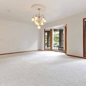 Full-floor carpeting
