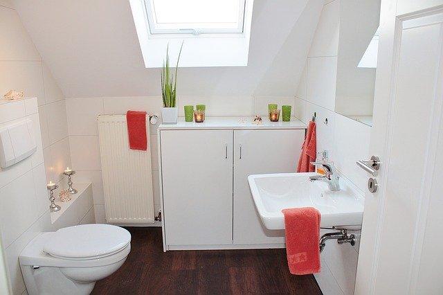 Bathroom Renovations For Budgets Big And Small - Inexpensive bathroom upgrades