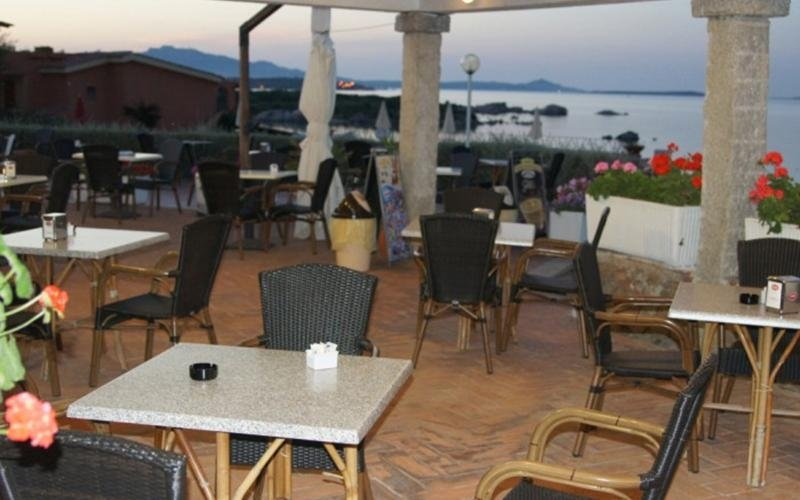 Bar vicino al mare