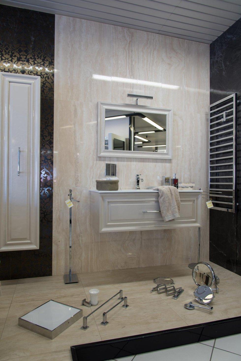 Showroom arredo bagno - Prato - Fim Fratelli Tissi