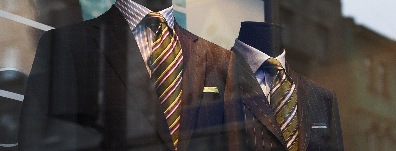Vetrina dell'abbigliamento da uomo a Marano di Napoli